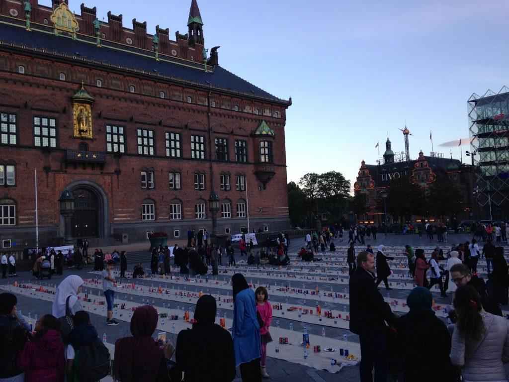 Sweet Deed #62 - Åben iftar på Rådhuspladsen